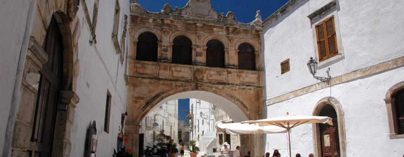 Ostuni: consigli utili per una vacanza nella bellissima città bianca
