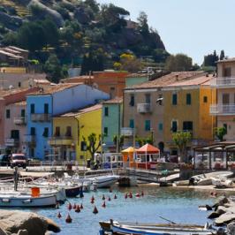 Le spiagge dell'Isola del Giglio: breve guida per una vacanza al top